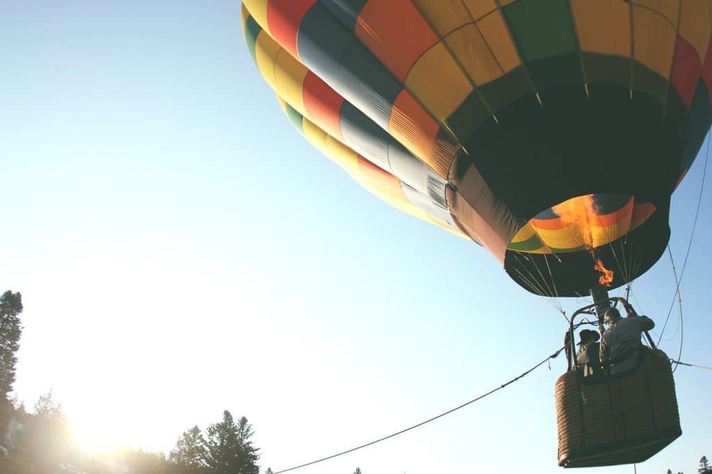 Qui est l'inventeur de la montgolfière ?