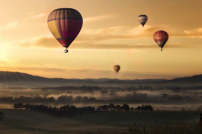 Balade dans les nuages: et pourquoi ne pas faire un vol en montgolfière?